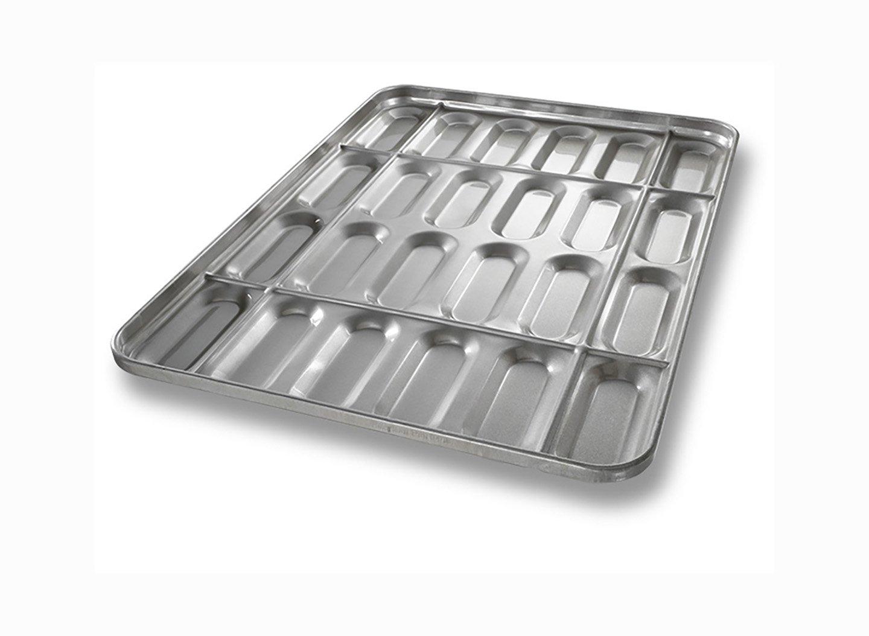 Hot Dog Bun Pan with Structural Ribs – AMERICOAT® Coating