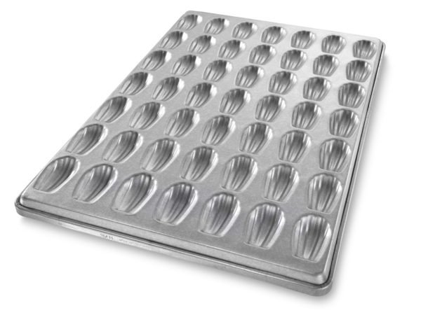 Madeleine Shell Cake Inverted Bun Style Pan – AMERICOAT® Coating